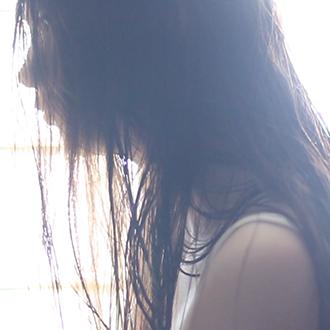 美しい人と髪の一日