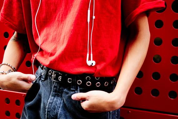 ファッションポイントは<br /> もちろん「赤」