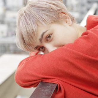 【連載】12色のうたうヘアカラー  1月は「白に染...